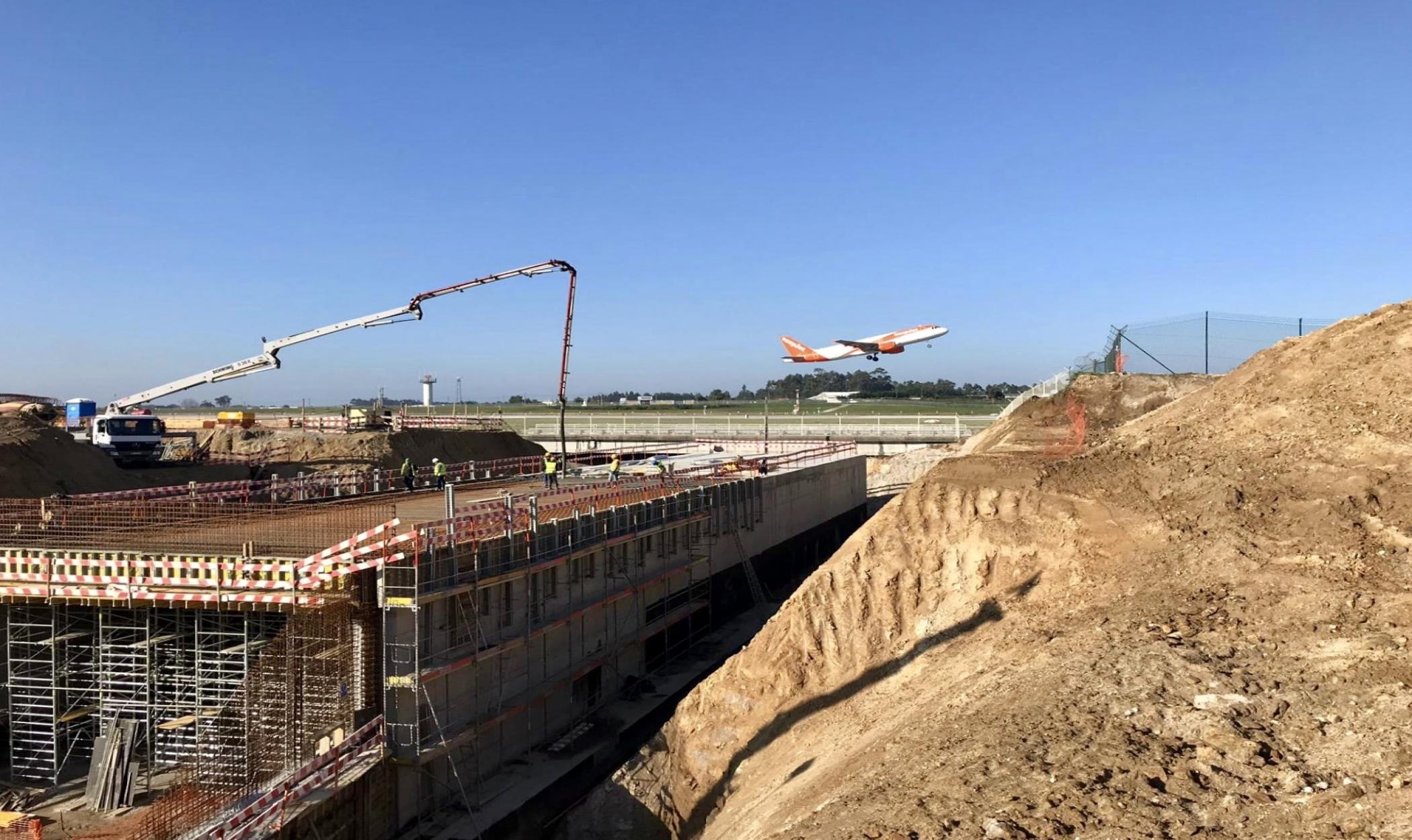 Ampliação do caminho de circulação F, do Aeroporto Sá Carneiro