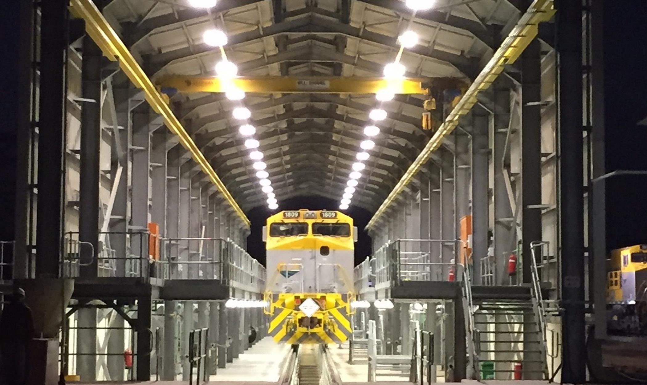 Oficinas de manutenção das locomotivas e vagões em Nacala
